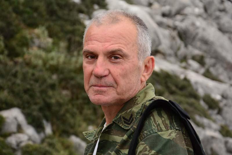 Ο Δημήτρης. Τα Ακαρνανικά Όρη είναι η αυλή του.
