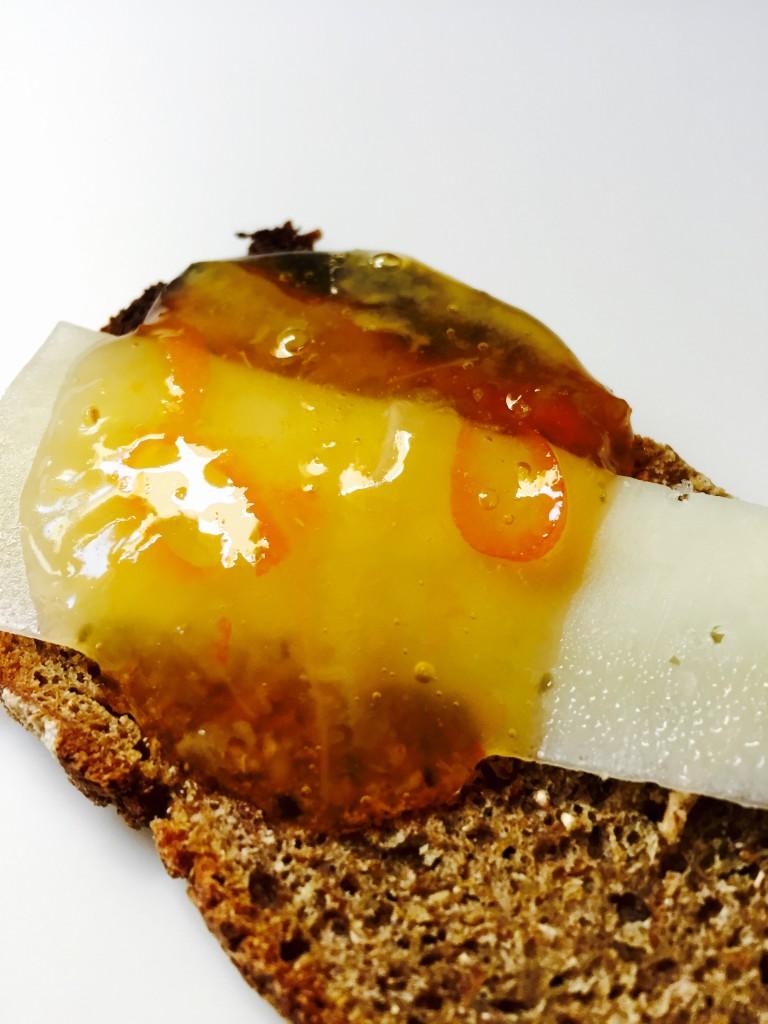 Μιά φέτα καλό ψωμί, ένα εξαίσιο γέυμα!